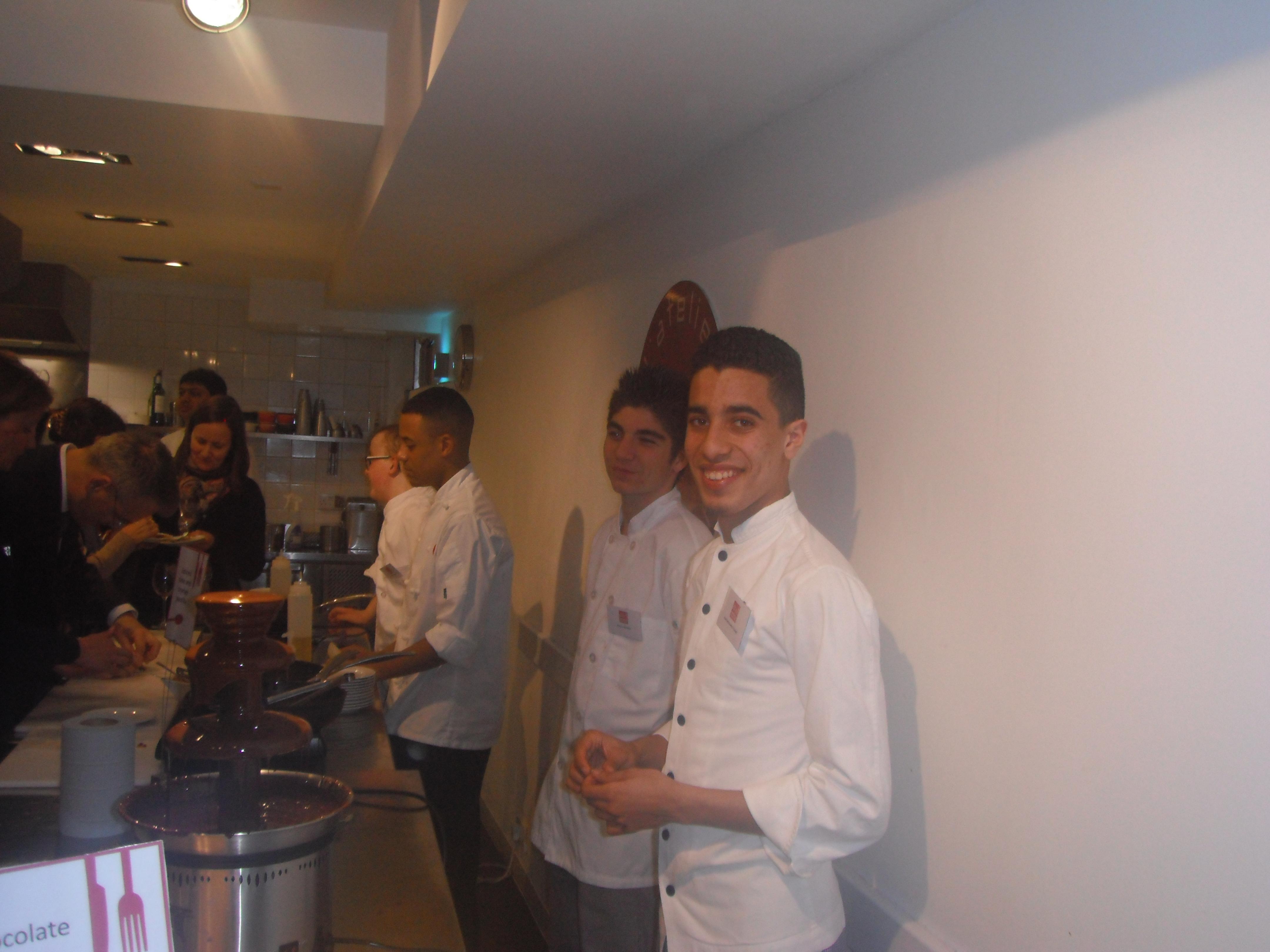 Soir e de gala londres avec l 39 atelier des chefs lyc e technologique et professionnel ufa - Cours de cuisine londres ...