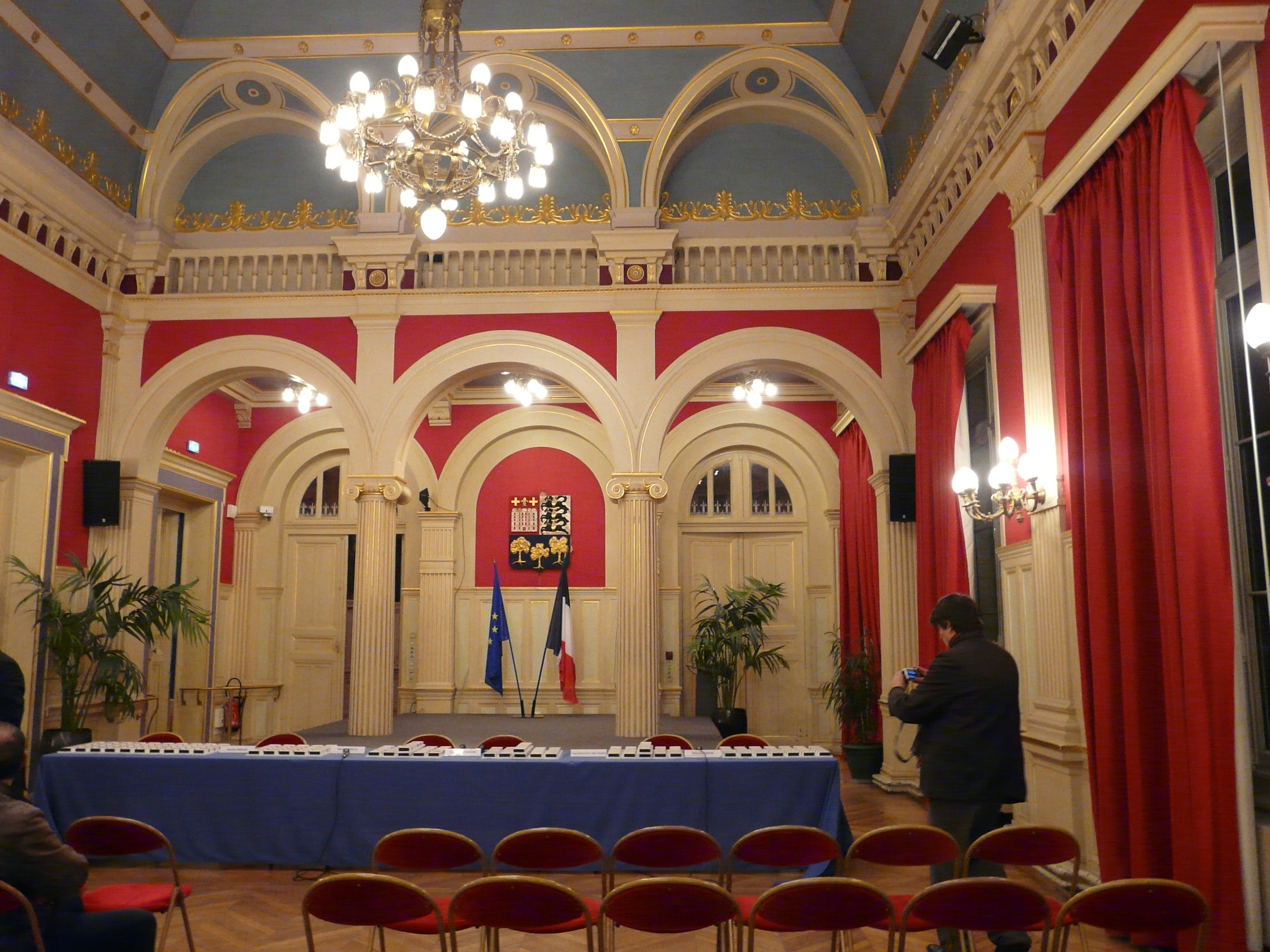 Salon mairie 16 lyc es technologique et professionnel for Mairie menetou salon